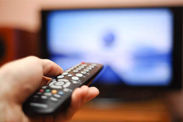 Fertilidade masculina pode ser prejudicada por muita televisão - Mater Prime